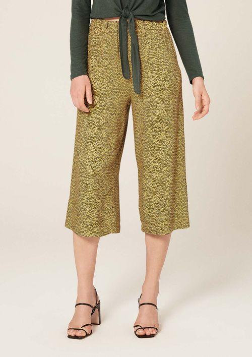 Calça Pantacourt Estampada - Amarelo