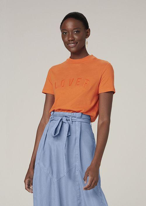 Camiseta Manga Curta Com Gola Alta E Bordado - Laranja